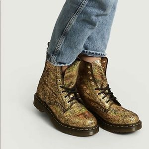 Dr. Martens 1460 Pascal Gold Crackle Boot